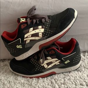 Asics GT-Quick size 8, glow in the dark sneakers